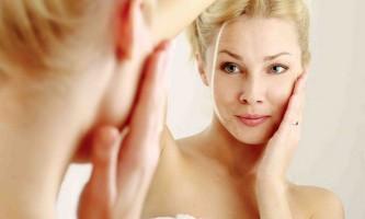 Антивікова сироватка для обличчя від зморшок: яка краще?