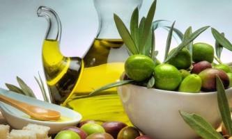 Чим корисна оливкова олія для нашого обличчя?
