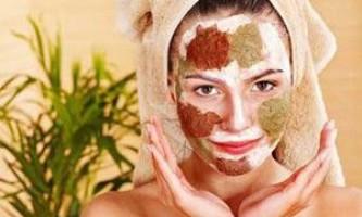 Кольорова глина в масках для особи: панацея від прищів