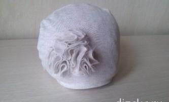 Дитяча шапка з квіткою з трикотажної тканини - як зшити своїми руками