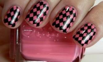 Дизайн нігтів гель-лаком: манікюр ромбиками