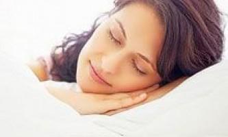 Домашнє снодійне: продукти сну, настої та чаї для сну, мед, ванни від безсоння