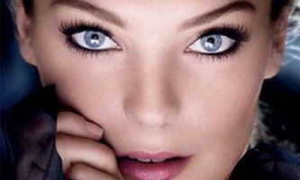 Природний макіяж для блакитних очей