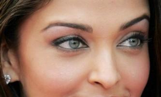 Ідеї денного макіяжу для сіро-блакитних очей