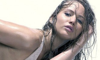 Ефект мокрого волосся - освоюємо просту зачіску