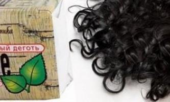 Як використовувати дігтярне мило для волосся
