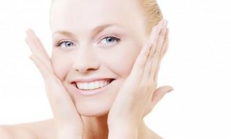 Як ефективно відбілити шкіру обличчя