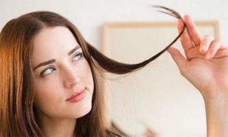 Як правильно доглядати за жирним волоссям