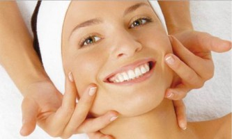 Як зробити класичний масаж обличчя в домашніх умовах