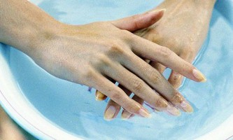 Як зробити зміцнення нігтів в домашніх умовах