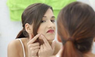 Як прибрати жахливі фурункули на обличчі й тілі?