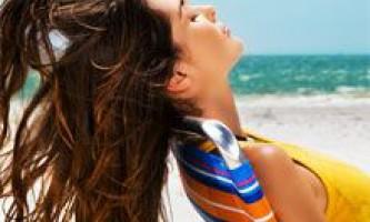 Як доглядати за волоссям влітку? Народні рецепти: маски, настої і відвари для волосся