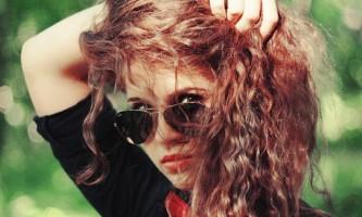 Як повернути природний колір волосся після фарбування?