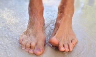 Як вилікувати оніхомікоз на нігтях ніг?