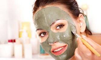 Краща маска з глини від прищів: починаємо приводити своє обличчя в порядок
