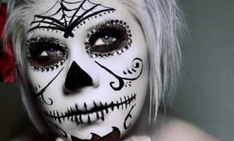Макіяж скелета на хеллоуїн: цукровий череп