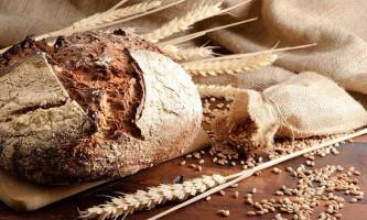 Маска з чорного хліба для волосся