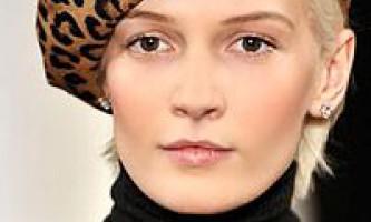 Модні головні убори сезону осінь-зима 2009-2010: берети, капелюхи, кепки, хутряні шапки, декор головних уборів