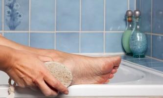 Неприємний запах від грибка ніг?