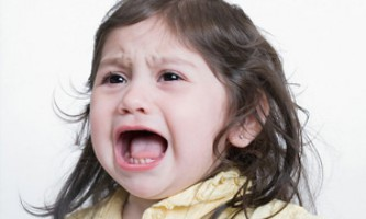 Нервовий дитина 2-4 років: в чому причина і як допомогти