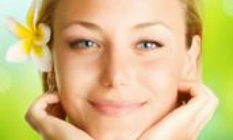Очищають лосьйони і тоніки для обличчя
