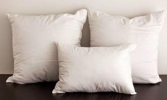 Основні правила прання подушок і ковдр