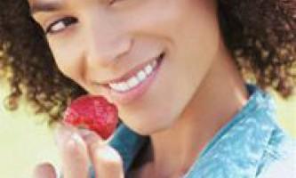 Відбілювання зубів в домашніх умовах. Як правильно відбілити зуби вдома народними засобами