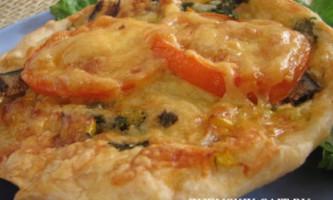 Піца з рибними консервами