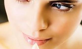 Поживна губна помада: склад, переваги і бренди