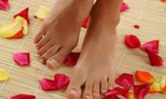 Чому набрякають ноги, причини появи проблеми і лікування