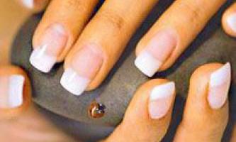 Покриття нігтів гелем: матеріали, інструменти та технологія