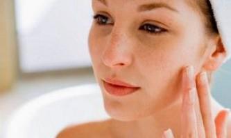 Після видалення родимки болить шрам: що робити?
