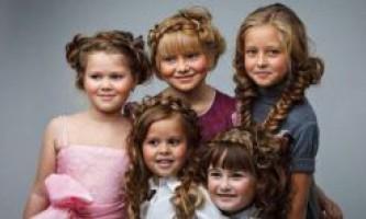 Зачіски на 1 вересня: 6 кращих варіантів для різних волосся і вікових груп (фото + відео)