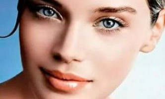 Причини синців в куточках очей (у перенісся)