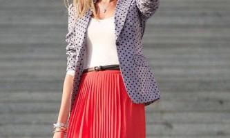 З чим носити стильний плісировані спідницю? (15 фото)