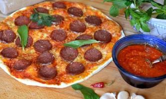 Секрети приготування справжньої піци пепероні