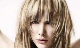 Поради стиліста: зачіски для овальної форми особи