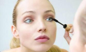 Створення гарного макіяжу для опуклих очей