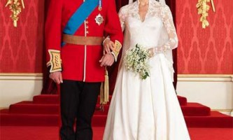 Весільна мода 2011. Модні весільні наряди 2011 року