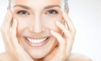 Тональний крем для вікової шкіри: як підібрати правильно?