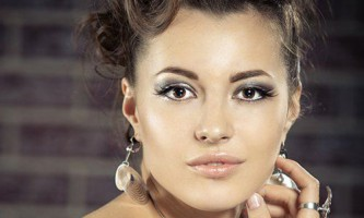 Тонкощі макіяжу для очей з опущеними куточками