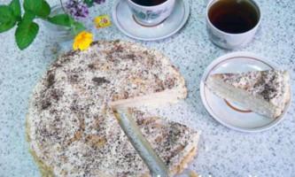 Торт із заварним кремом і сметанним коржами: фото рецепт
