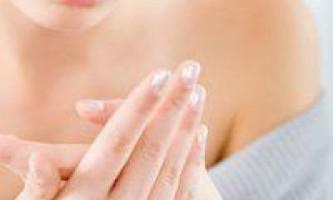 Тріщини на нігтях, способи боротьби з проблемою