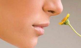 Видалення бородавок на обличчі: про складне просто