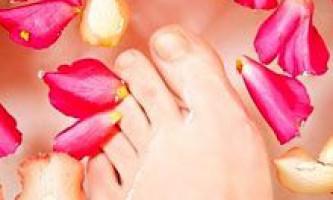 Втома ніг. Лікування і як зняти втому ніг. Засоби від втоми ніг: ванночки і маски