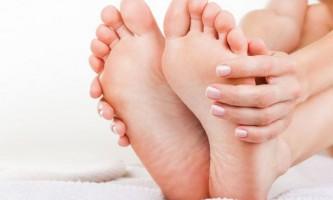 Потовщені нігті на ногах: що робити і як лікувати?