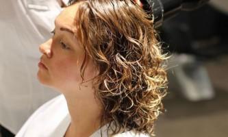 Види хімічної завивки волосся. Різновиди і технології виконання