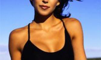 Зона декольте: догляд за зоною декольте. Як доглядати за декольте: масаж (гідромасаж) та вправи для грудей